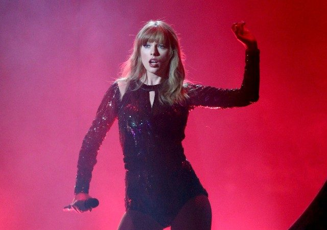 Video: Taylor Swift not only opened the American Music Awards with a fiery performance but dominates the show too (WATCH)