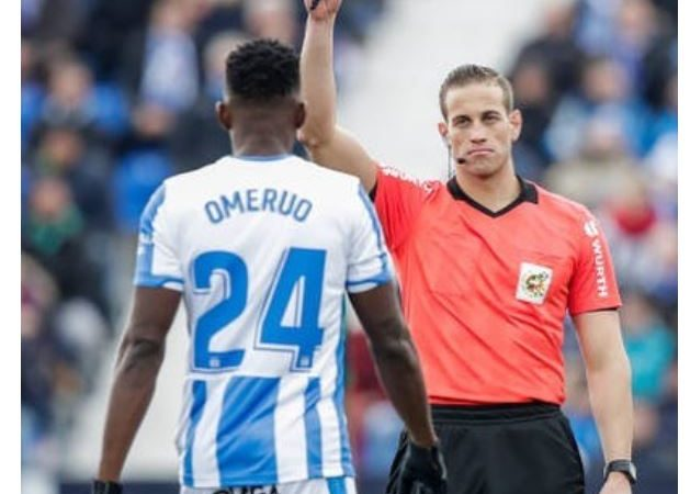 See Kenneth Omeruo's hilarious reaction after he was given a Yellow card for a bad tackle on another player (Screenshot)