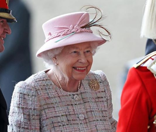 Queen Elizabeth is looking to hire a social media manager at a salary of $38,000 per year