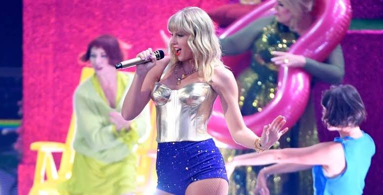 #MtvVmas: This has got to be Taylor Swift's best performance ever  (WATCH)
