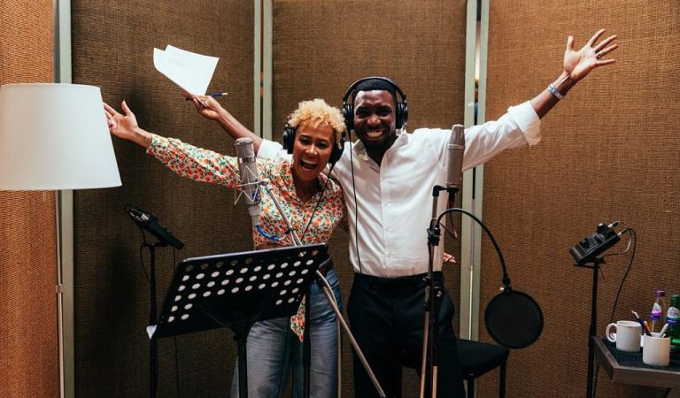 Guys, Timi Dakolo & Emily Sande are currently cooking some music and we can't wait…! (PHOTOS)
